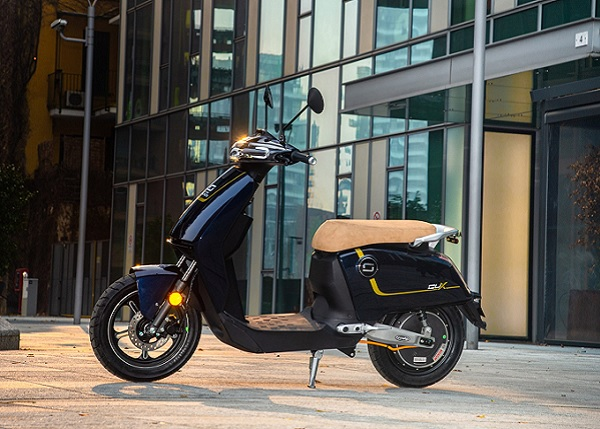 scooter elettrico super soco cux luxury